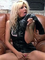 Preview Girls in leather boots - Nicola is a very very welcome return to Girls in Leather Boots as she really knows how to enjoy herself with her own leather boots! This video will definitely please and excite you if you love to see sexy horny ladies getting off with their boots